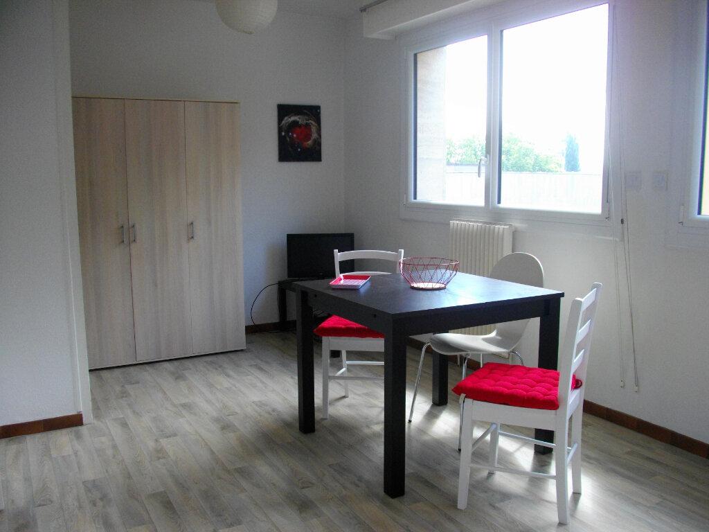 Appartement à louer 1 25.61m2 à Bourges vignette-4