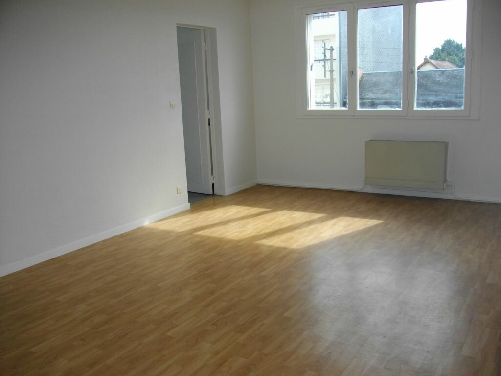 Appartement à louer 2 48m2 à Bourges vignette-3