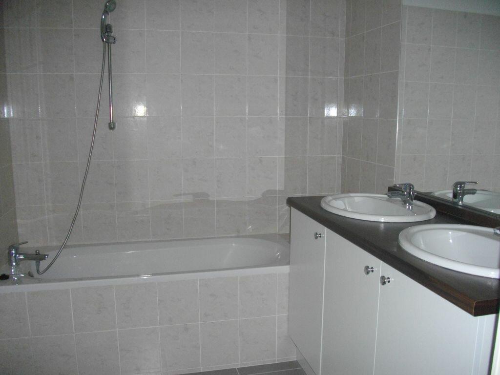 Appartement à louer 3 59.35m2 à Bourges vignette-3