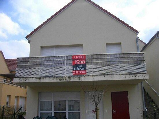 Appartement à louer 2 50.92m2 à Bourges vignette-1