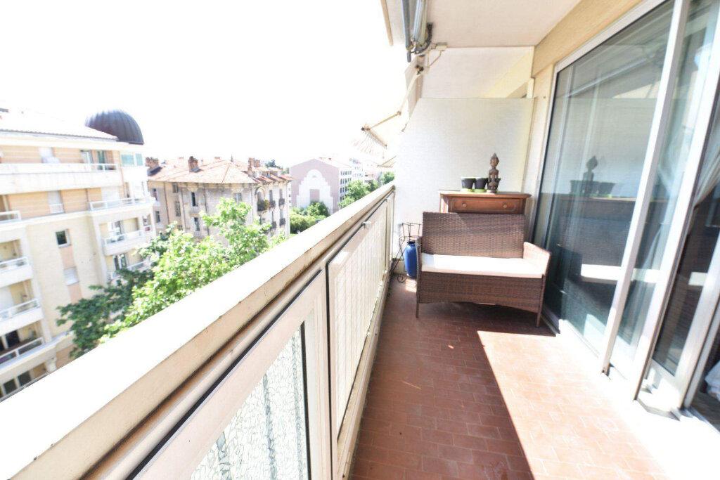Appartement à vendre 3 69m2 à Cannes vignette-1