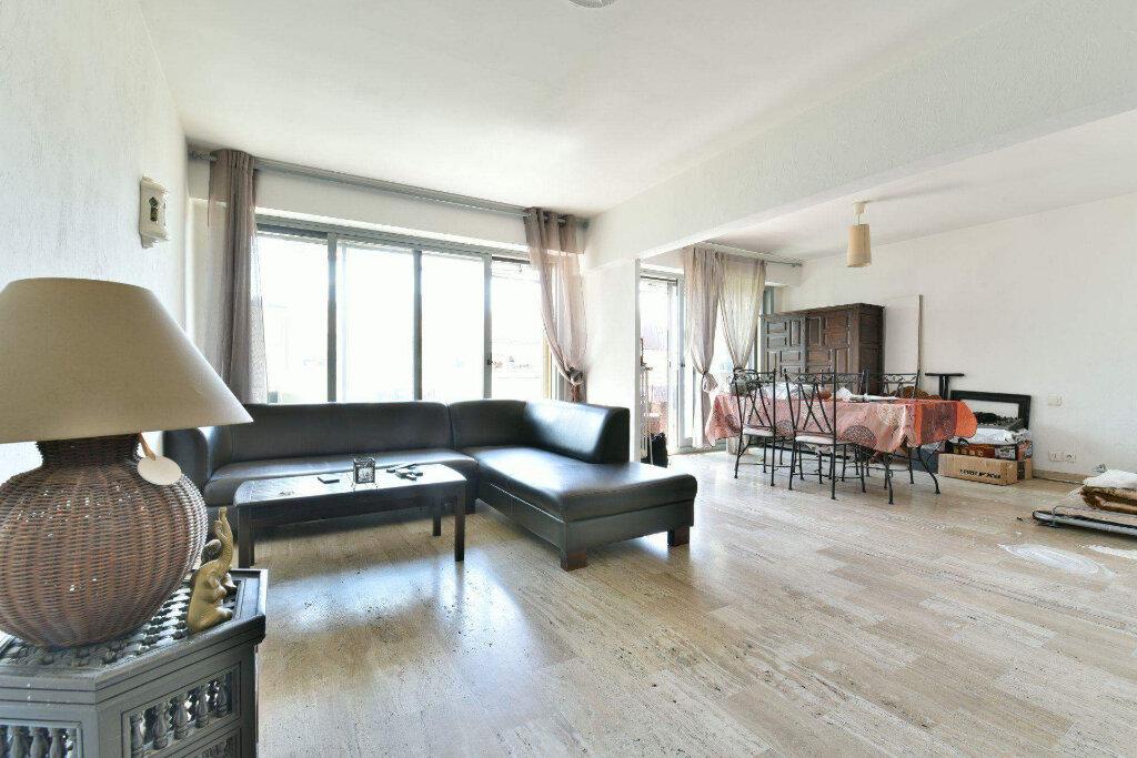 Appartement à vendre 3 69m2 à Cannes vignette-2