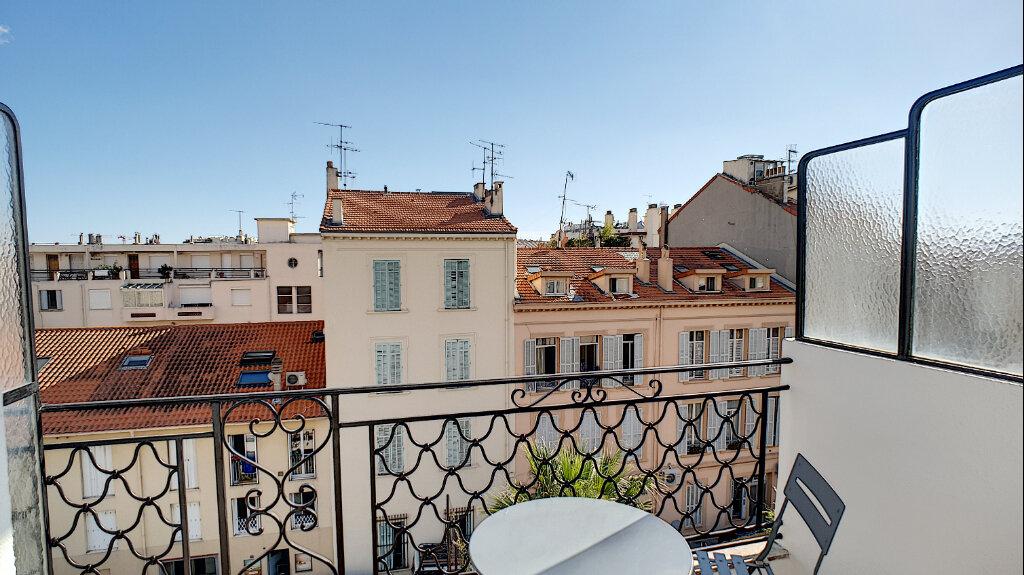 Appartement à vendre 3 68m2 à Cannes vignette-1