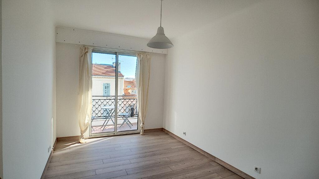 Appartement à vendre 3 68m2 à Cannes vignette-4