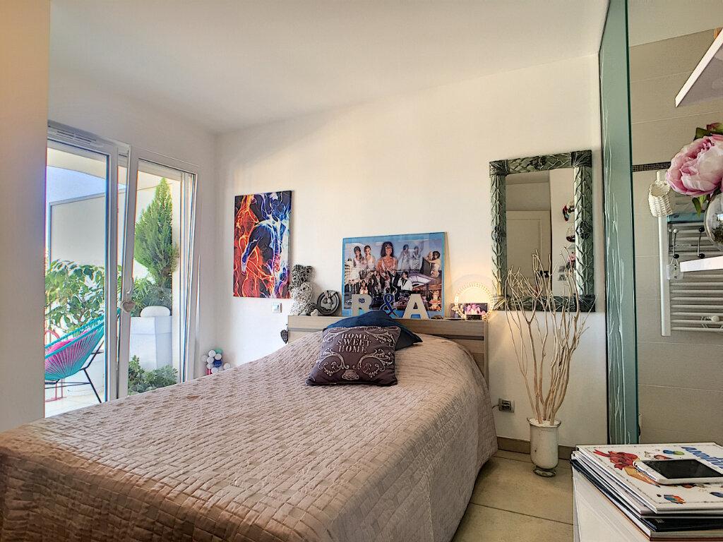 Appartement à vendre 2 46.7m2 à Cannes vignette-3
