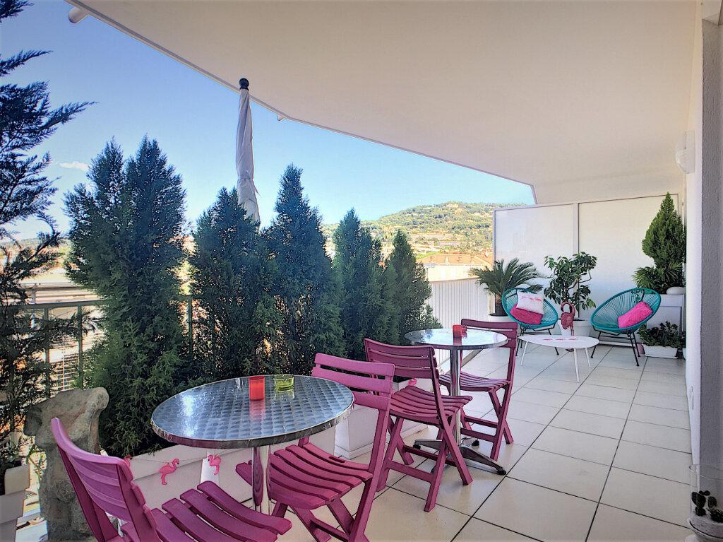 Appartement à vendre 3 46.7m2 à Cannes vignette-3