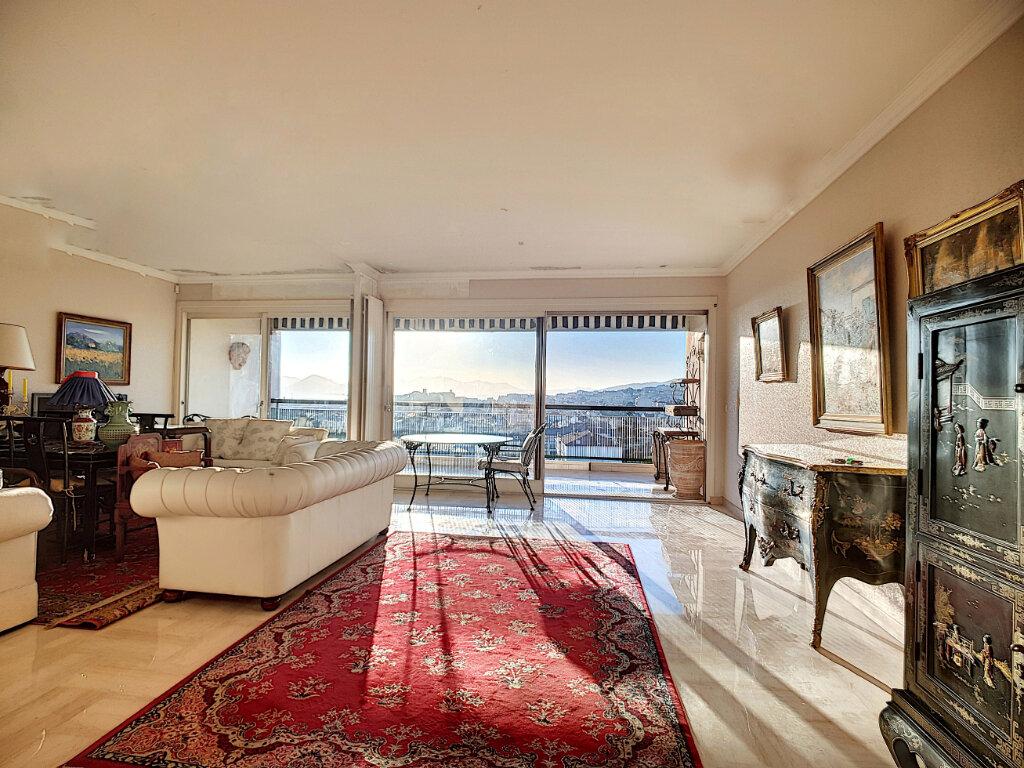 Appartement à vendre 3 87m2 à Cannes vignette-2