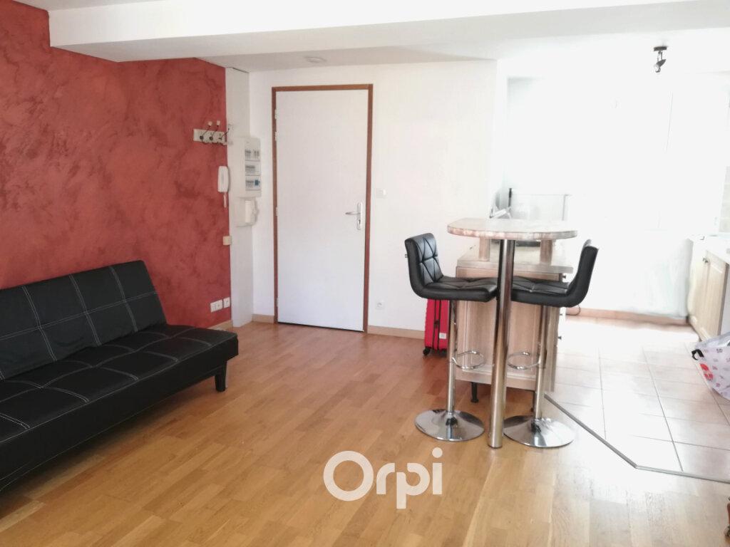 Appartement à louer 2 44m2 à Bourgoin-Jallieu vignette-2