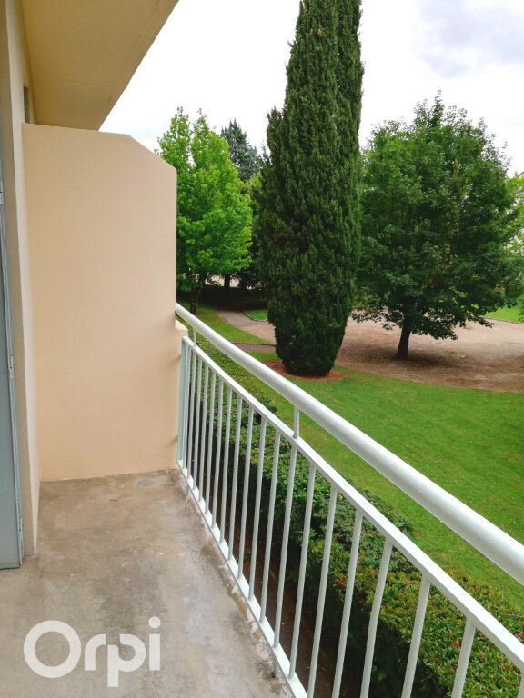Appartement à louer 3 56.84m2 à Bourgoin-Jallieu vignette-7
