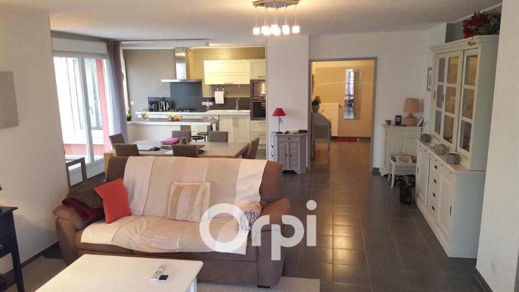 Appartement à louer 4 105m2 à Bourgoin-Jallieu vignette-10
