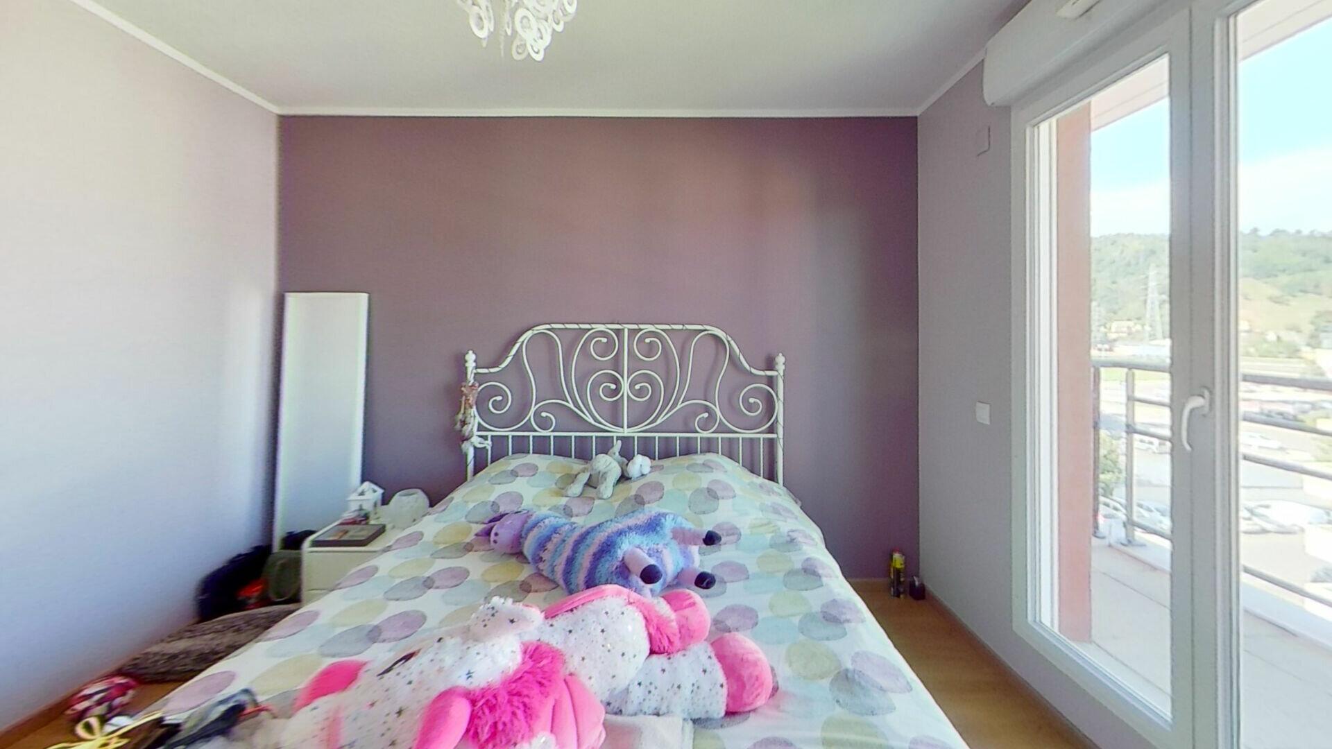 Appartement à louer 4 105m2 à Bourgoin-Jallieu vignette-5