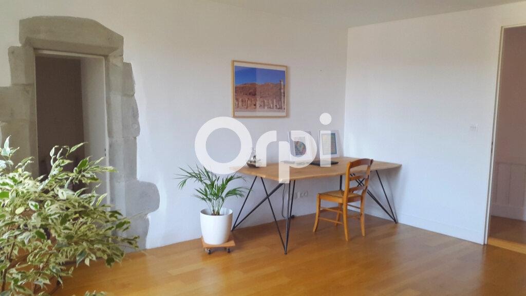 Appartement à louer 4 114.61m2 à Bourgoin-Jallieu vignette-7