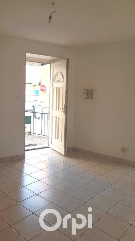 Appartement à louer 2 32.5m2 à Morestel vignette-3