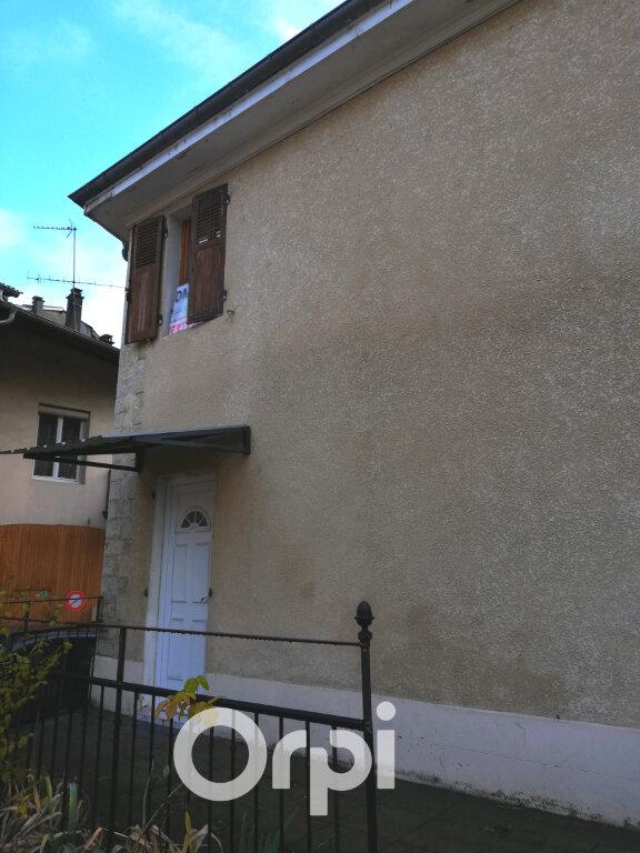 Appartement à louer 2 32.5m2 à Morestel vignette-6