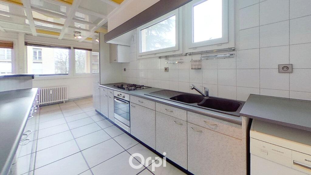 Appartement à louer 3 81.85m2 à Bourgoin-Jallieu vignette-1