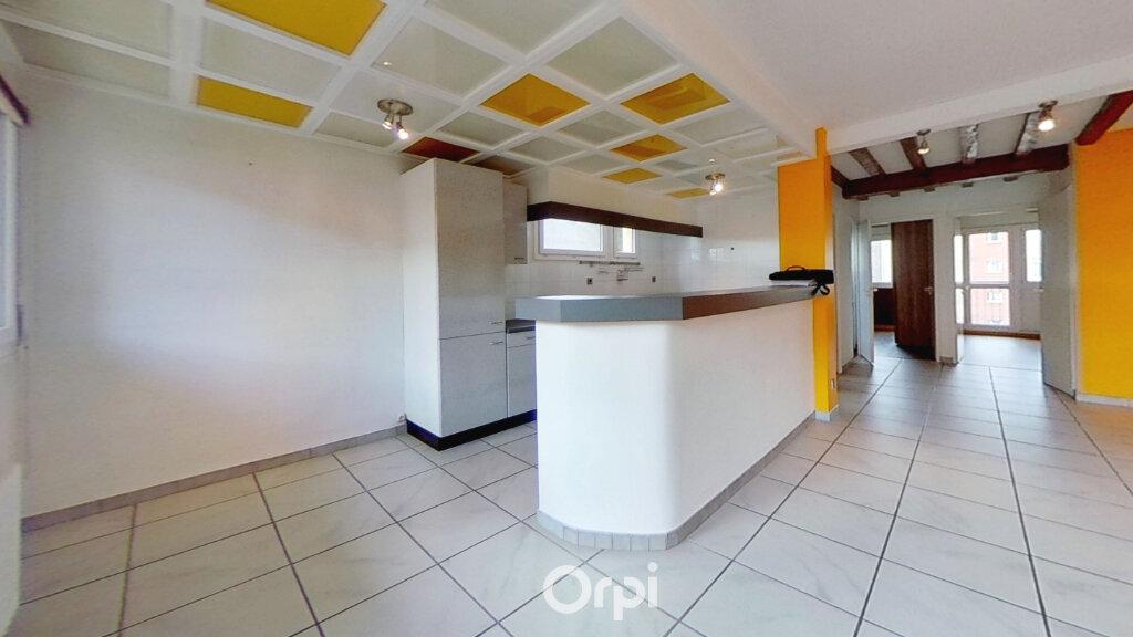 Appartement à louer 3 81.85m2 à Bourgoin-Jallieu vignette-2