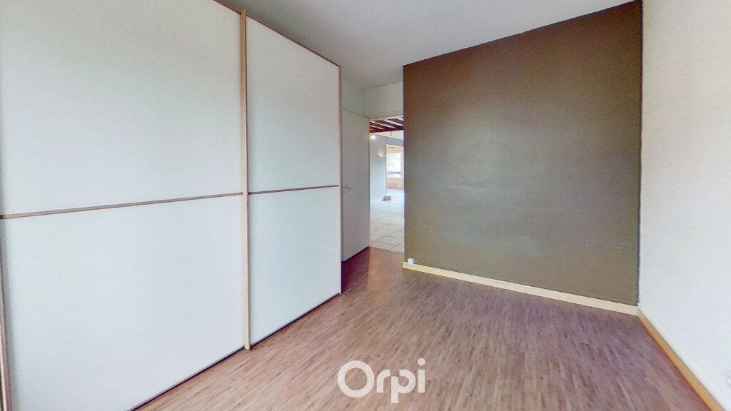 Appartement à louer 3 81.85m2 à Bourgoin-Jallieu vignette-5