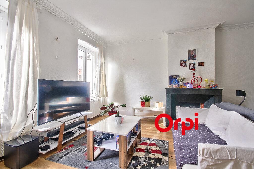 Appartement à vendre 3 68.3m2 à Bourgoin-Jallieu vignette-2