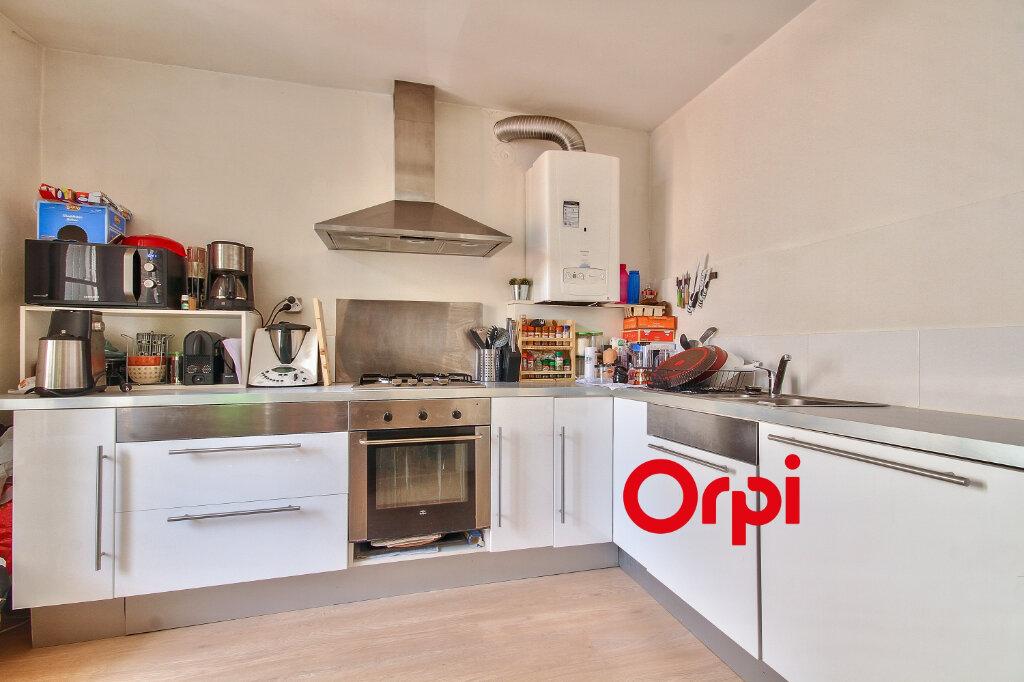 Appartement à vendre 3 68.3m2 à Bourgoin-Jallieu vignette-3