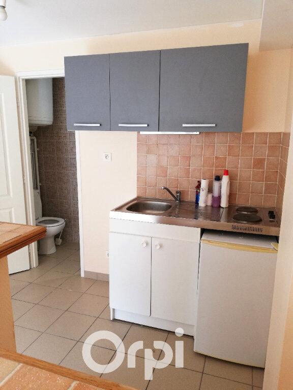 Appartement à louer 1 32m2 à La Côte-Saint-André vignette-3