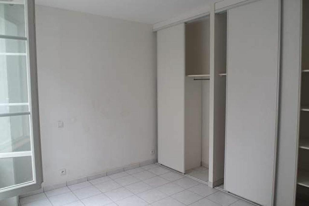 Appartement à vendre 3 78m2 à Saint-Sever vignette-3