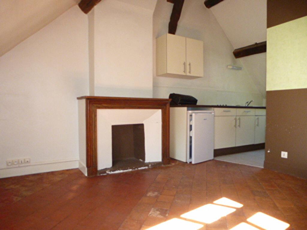 Appartement à louer 1 19m2 à Orléans vignette-2