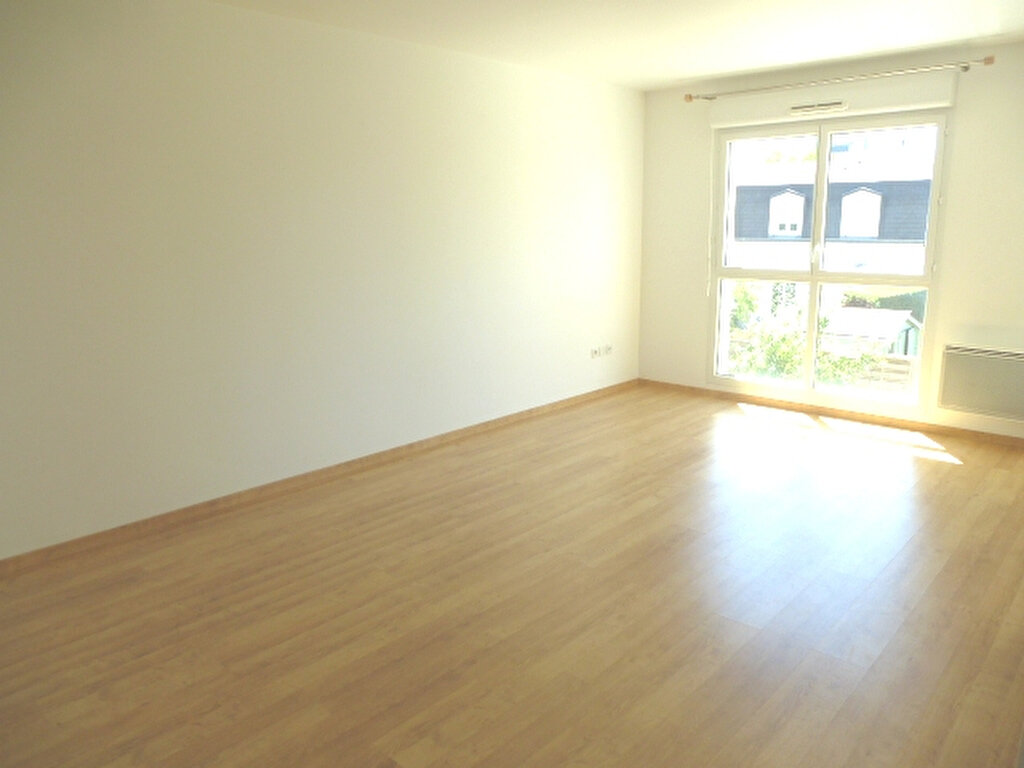 Appartement à louer 2 47m2 à Saint-Jean-de-Braye vignette-2