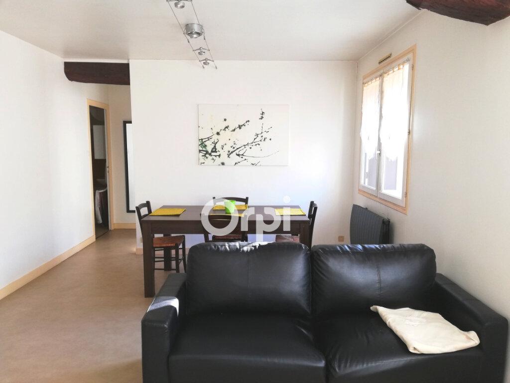 Appartement à louer 2 47m2 à Bourgoin-Jallieu vignette-1