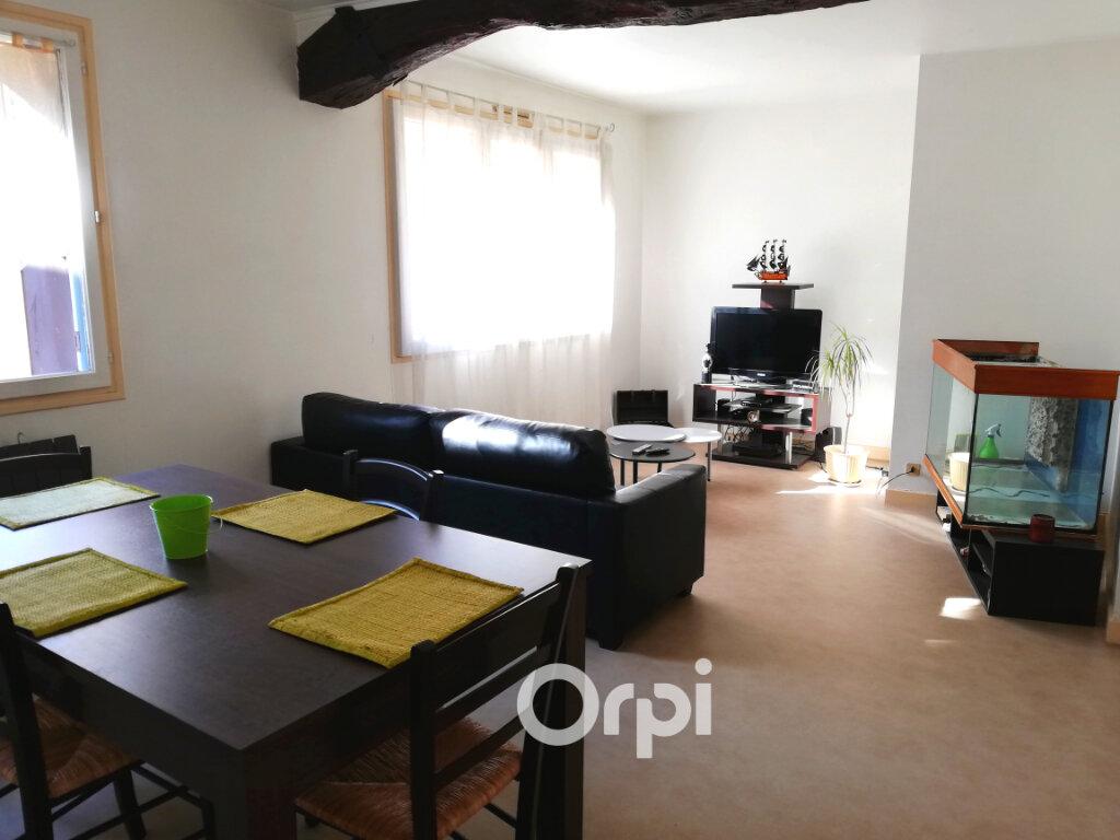 Appartement à louer 2 47m2 à Bourgoin-Jallieu vignette-2
