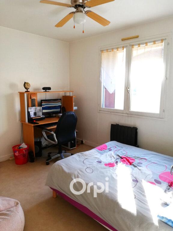 Appartement à louer 2 47m2 à Bourgoin-Jallieu vignette-3