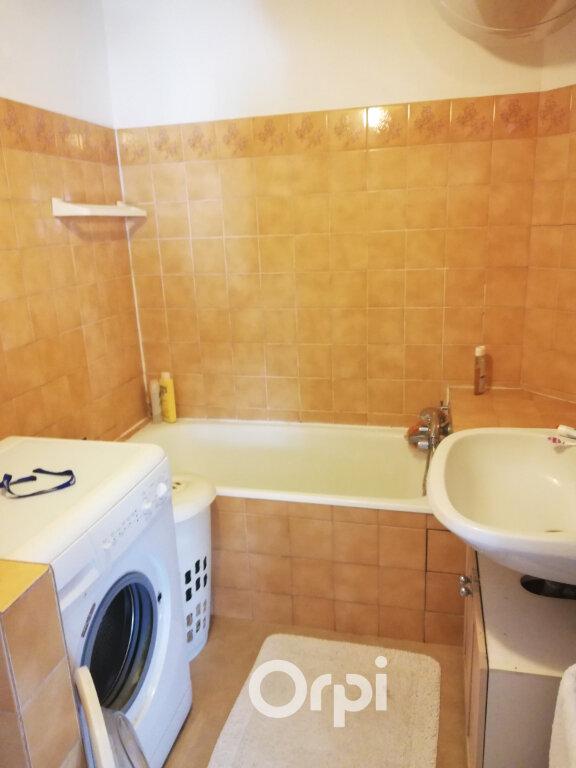 Appartement à louer 2 47m2 à Bourgoin-Jallieu vignette-5