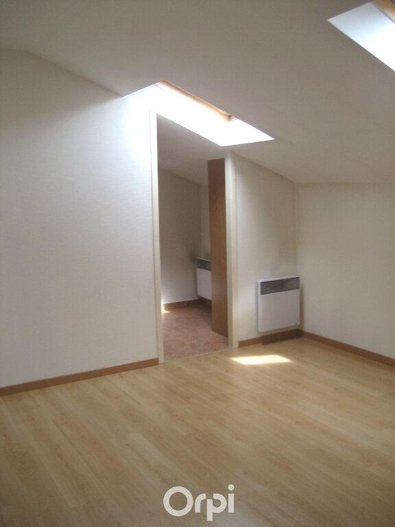 Appartement à louer 4 87.2m2 à Bourgoin-Jallieu vignette-5