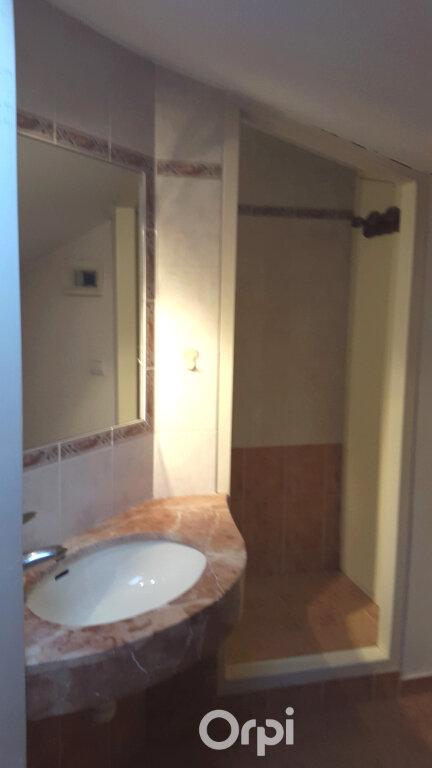 Appartement à louer 4 87.2m2 à Bourgoin-Jallieu vignette-6