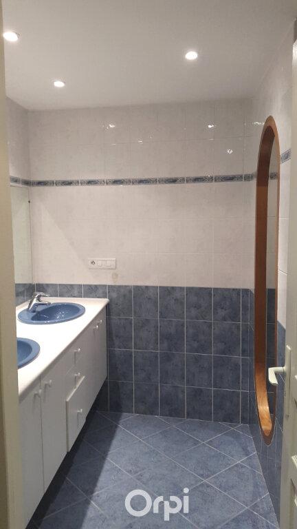 Appartement à louer 4 87.2m2 à Bourgoin-Jallieu vignette-8