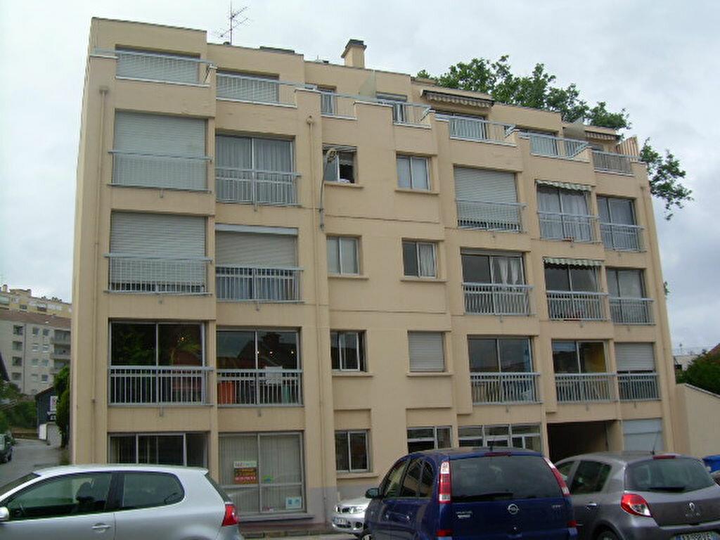 Appartement à louer 1 26m2 à Limoges vignette-6