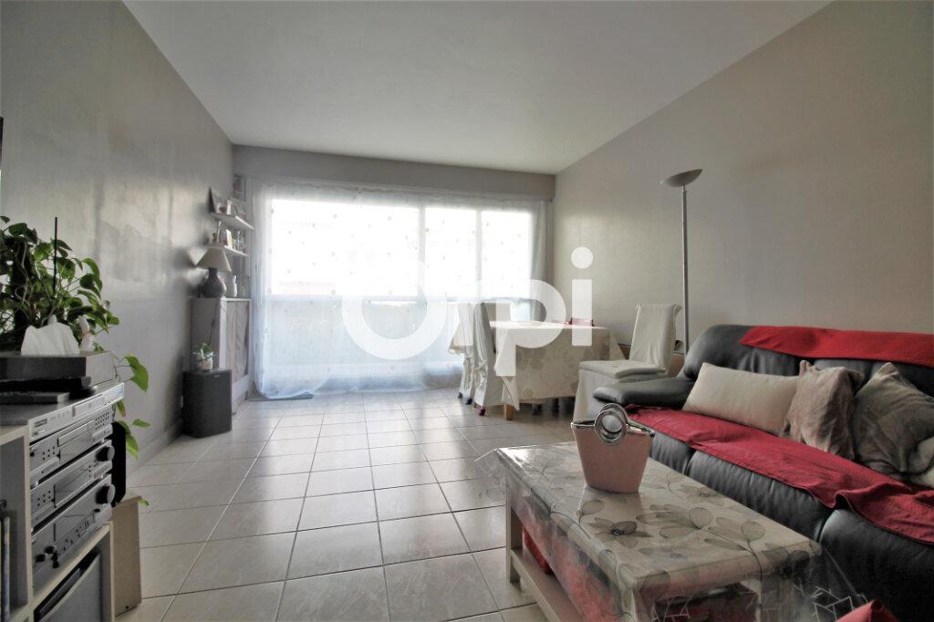 Appartement à vendre 3 64.6m2 à Chambourcy vignette-1
