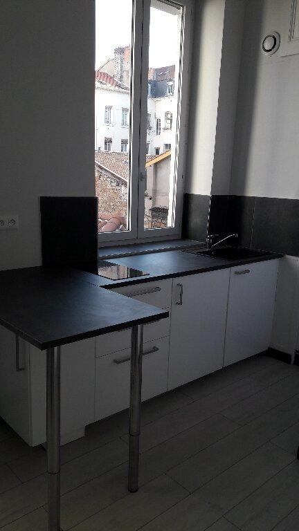 Appartement à louer 1 18.15m2 à Lyon 6 vignette-2