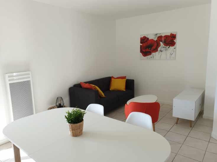 Appartement à louer 2 48.49m2 à Lyon 8 vignette-2