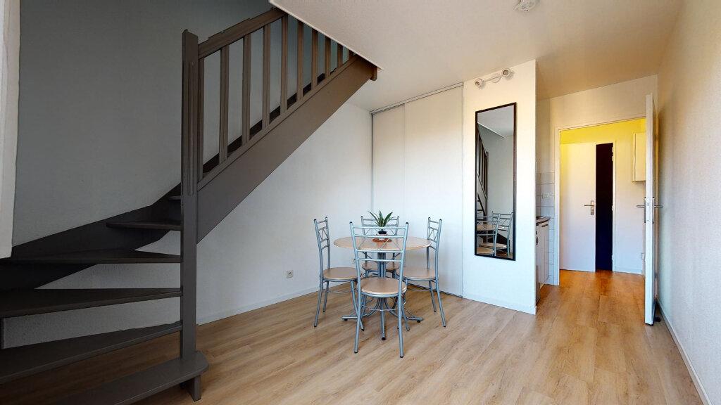 Appartement à vendre 2 31m2 à Lyon 3 vignette-1