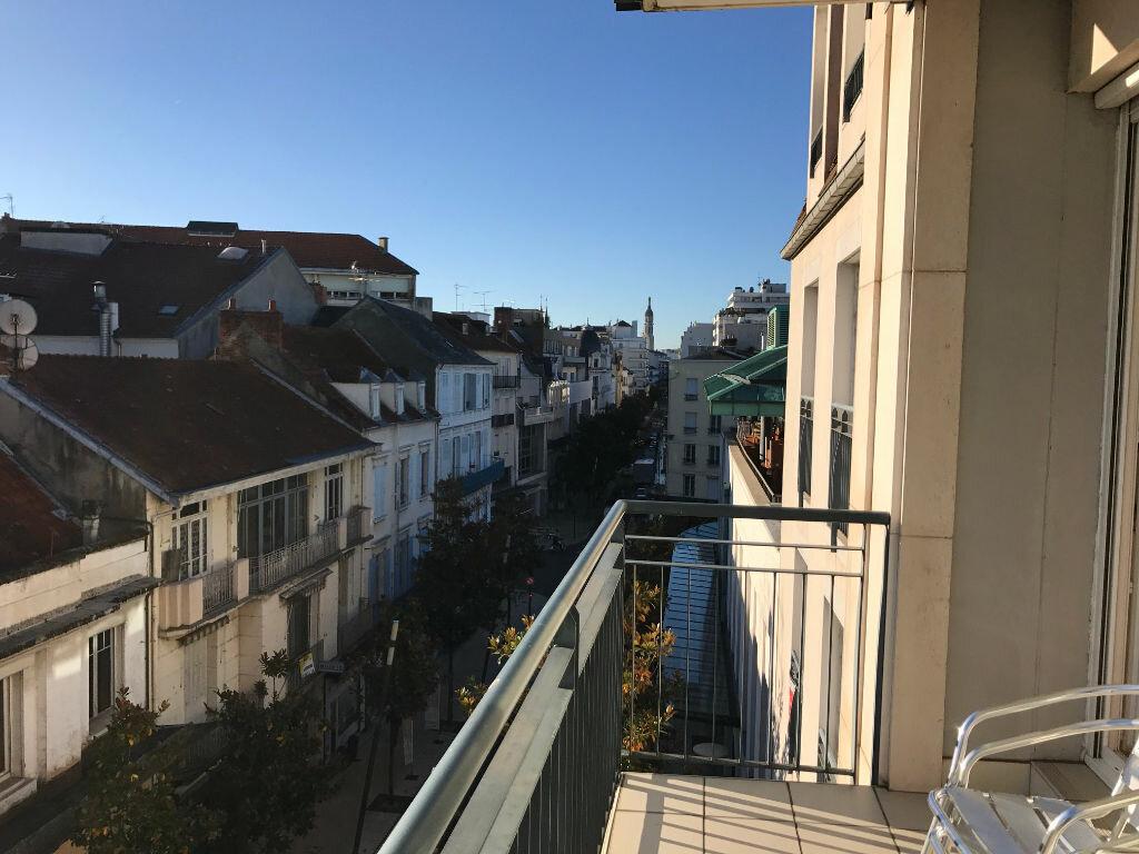 Appartement à vendre 2 33m2 à Vichy vignette-1