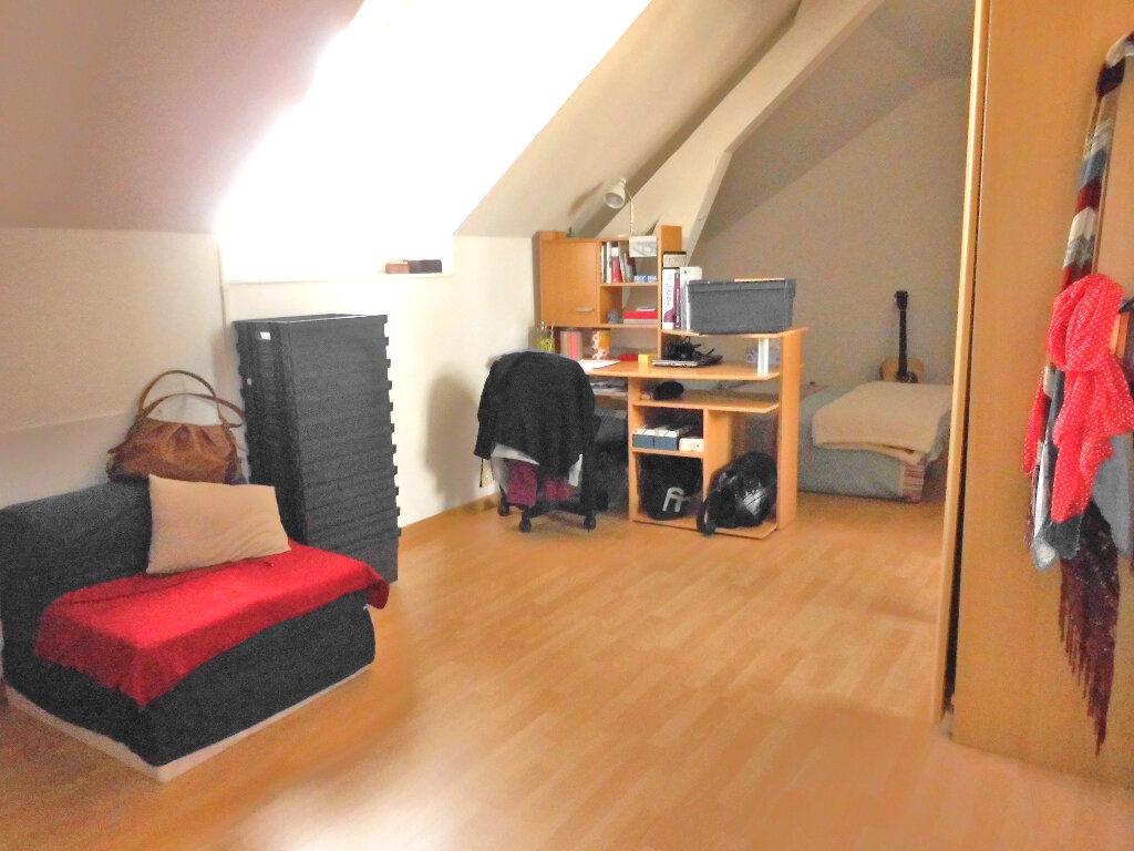 Appartement à vendre 4 102m2 à Vichy vignette-2