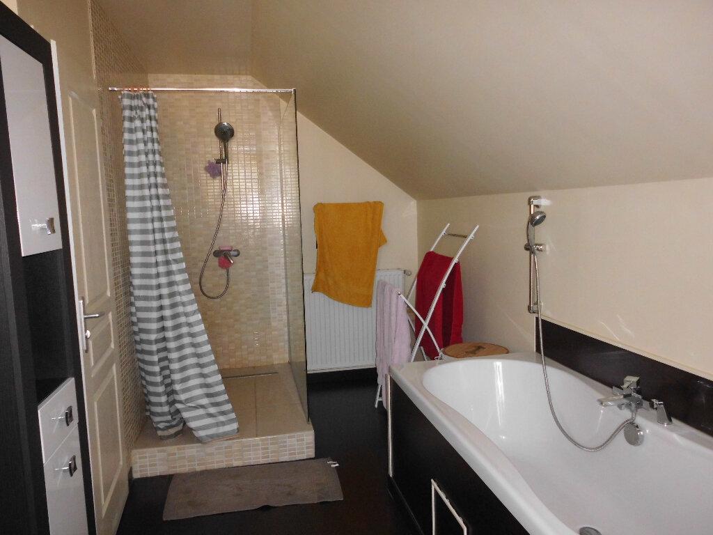Appartement à vendre 4 102m2 à Vichy vignette-5