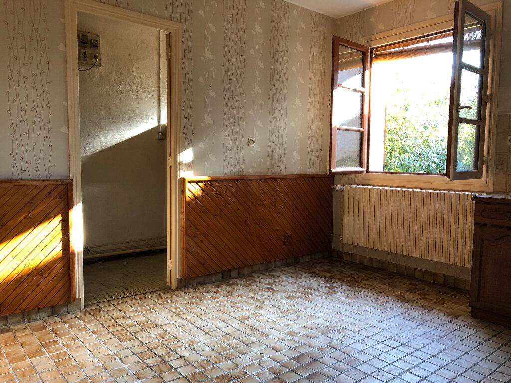 Maison à vendre 5 132m2 à Creuzier-le-Neuf vignette-8
