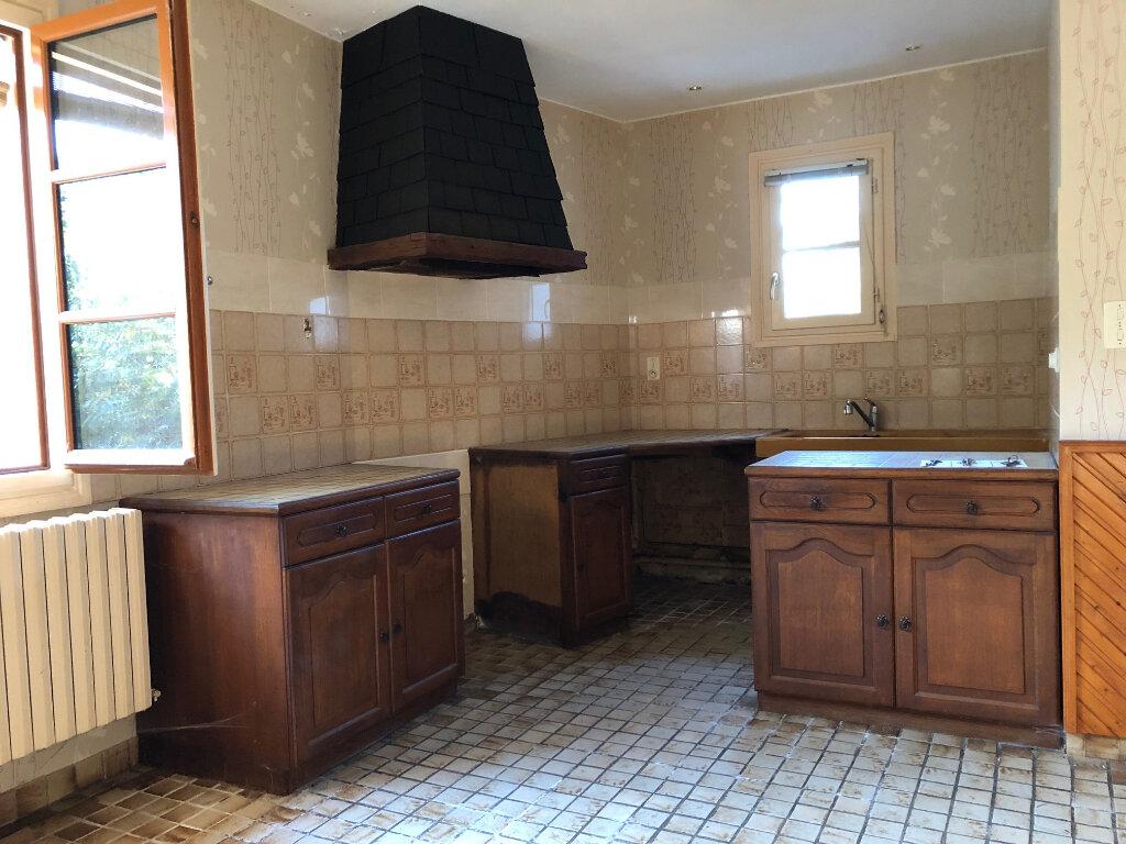 Maison à vendre 5 132m2 à Creuzier-le-Neuf vignette-9