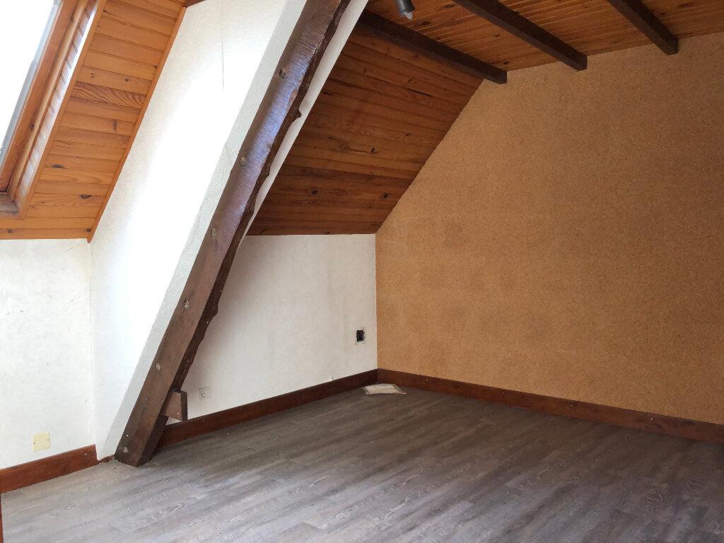 Maison à vendre 5 132m2 à Creuzier-le-Neuf vignette-10