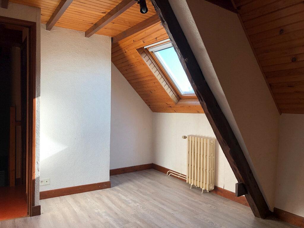 Maison à vendre 5 132m2 à Creuzier-le-Neuf vignette-12
