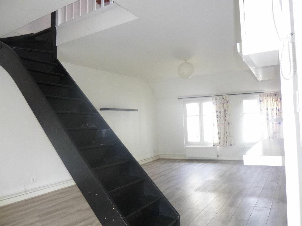 Appartement à louer 3 62.89m2 à Vichy vignette-2