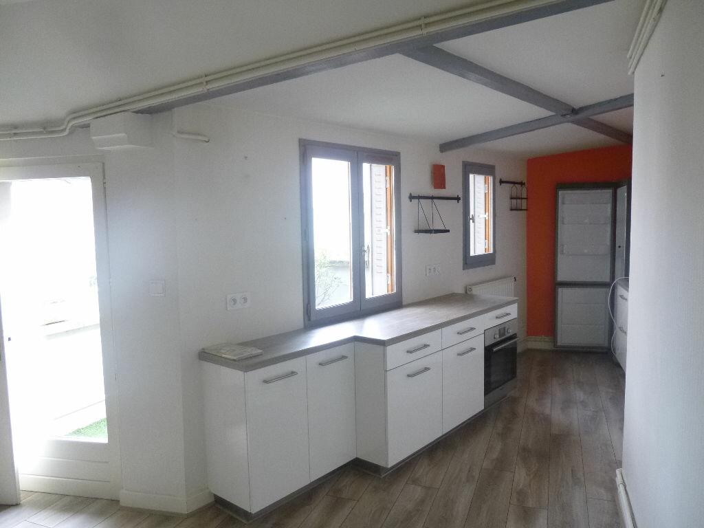 Appartement à louer 3 62.89m2 à Vichy vignette-4