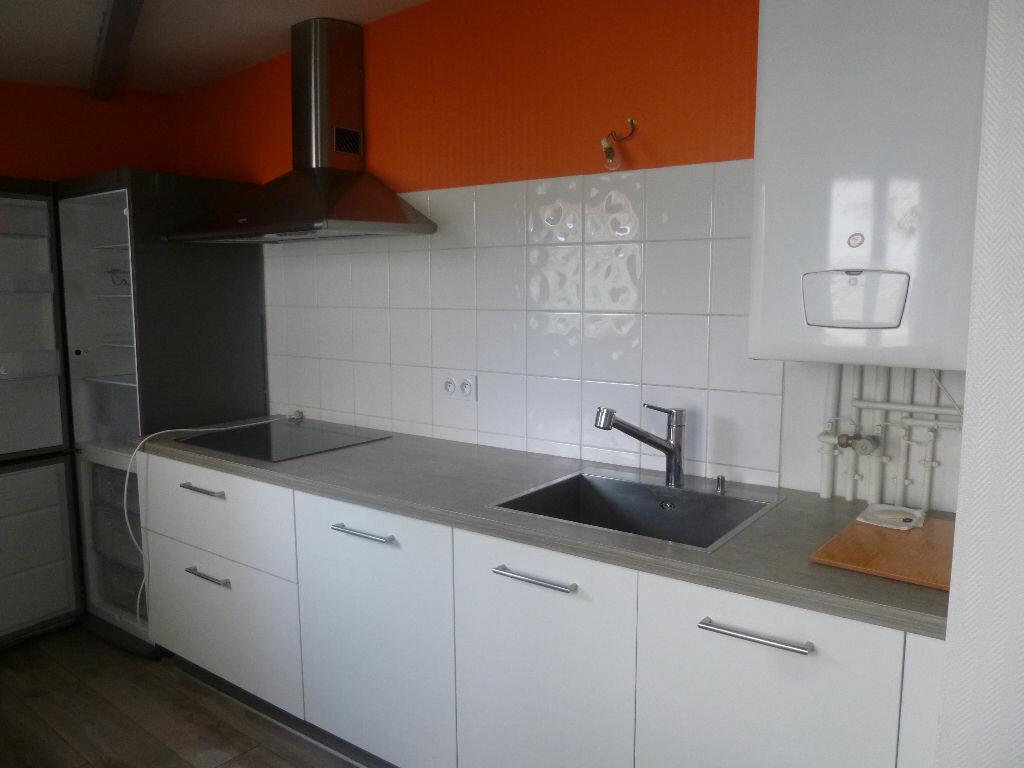 Appartement à louer 3 62.89m2 à Vichy vignette-5