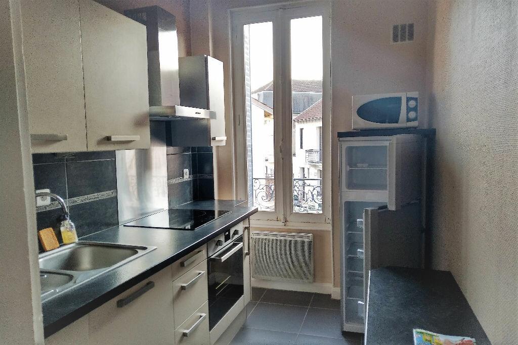 Appartement à louer 2 47m2 à Vichy vignette-2